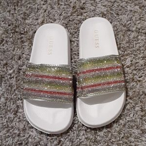 Girls Size 2 Slippers Guess